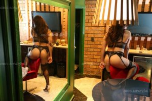 Zahara escort massage sexy à Courtry