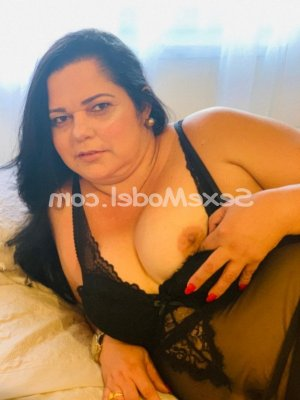 Seila escorte girl massage sexy à Saint-Pée-sur-Nivelle